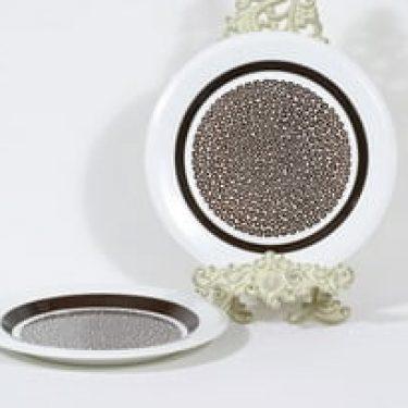 Arabia Faenza lautaset, Ruskeakukka, 2 kpl, suunnittelija Inkeri Seppälä, Ruskeakukka, matala, serikuva, retro