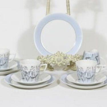 Arabia Kesä kahvikupit ja lautaset, signeeratttu, 4 kpl, suunnittelija Esteri Tomula, signeeratttu, painettu ja maalattu