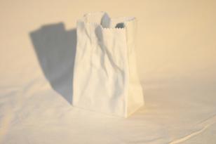 Rosenthal Paperipussi maljakko, suunnittelija Tapio Wirkkala, pieni