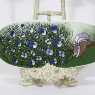Arabia koristelaatta, Lemmen kimppu, suunnittelija Heljä Liukko-Sundström, Lemmen kimppu, serikuva