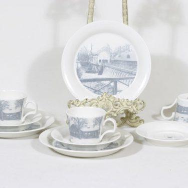 Arabia kahvikupit ja lautaset, tilattu koriste, 3 kpl, suunnittelija , tilattu koriste, serikuva