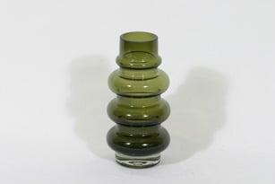 Riihimäen lasi 1467 maljakko, oliivinvihreä, suunnittelija Tamara Aladin,