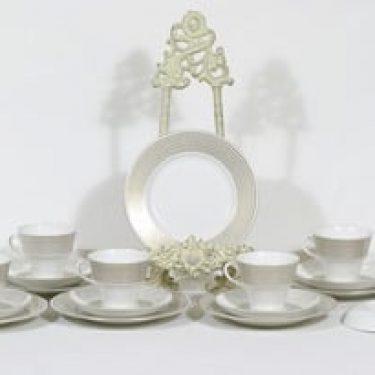 Arabia Rio kahvikupit ja lautaset, 6 kpl, suunnittelija Raija Uosikkinen, serikuva