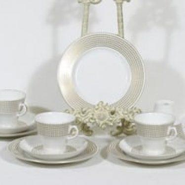 Arabia Rio kahvikupit ja lautaset, 4 kpl, suunnittelija Raija Uosikkinen, serikuva