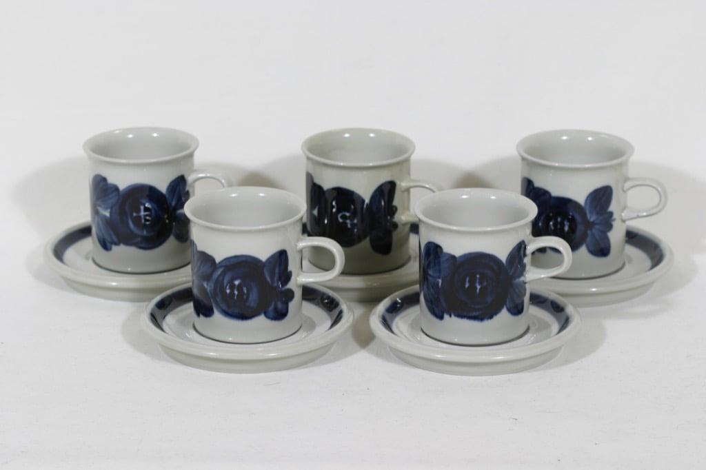 Arabia Anemone kahvikupit, käsinmaalattu, 5 kpl, suunnittelija Ulla Procope, käsinmaalattu, signeerattu