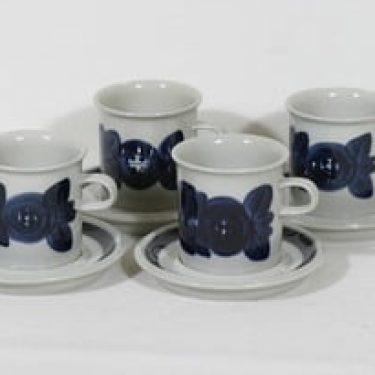 Arabia Anemone kaakaokupit, käsinmaalattu, 4 kpl, suunnittelija Ulla Procope, käsinmaalattu, signeerattu