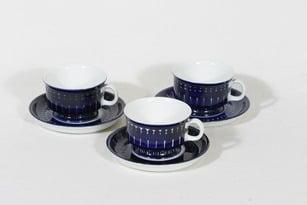 Arabia Valencia mokkakupit, käsinmaalattu, 3 kpl, suunnittelija Ulla Procope, käsinmaalattu, signeerattu