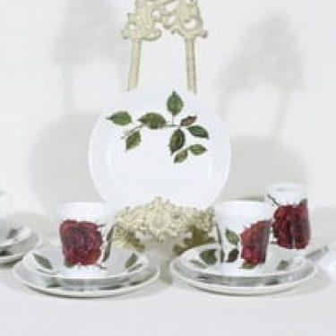 Arabia Ruusu kahvikupit ja lautaset, 4 kpl, suunnittelija Anneli Qveflander, serikuva