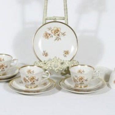 Arabia Myrna kahvikupit ja lautaset, 4 kpl, suunnittelija Olga Osol, serikuva