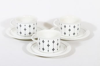 Arabia Kartano teekupit, 3 kpl, suunnittelija Esteri Tomula, painettu ja maalattu