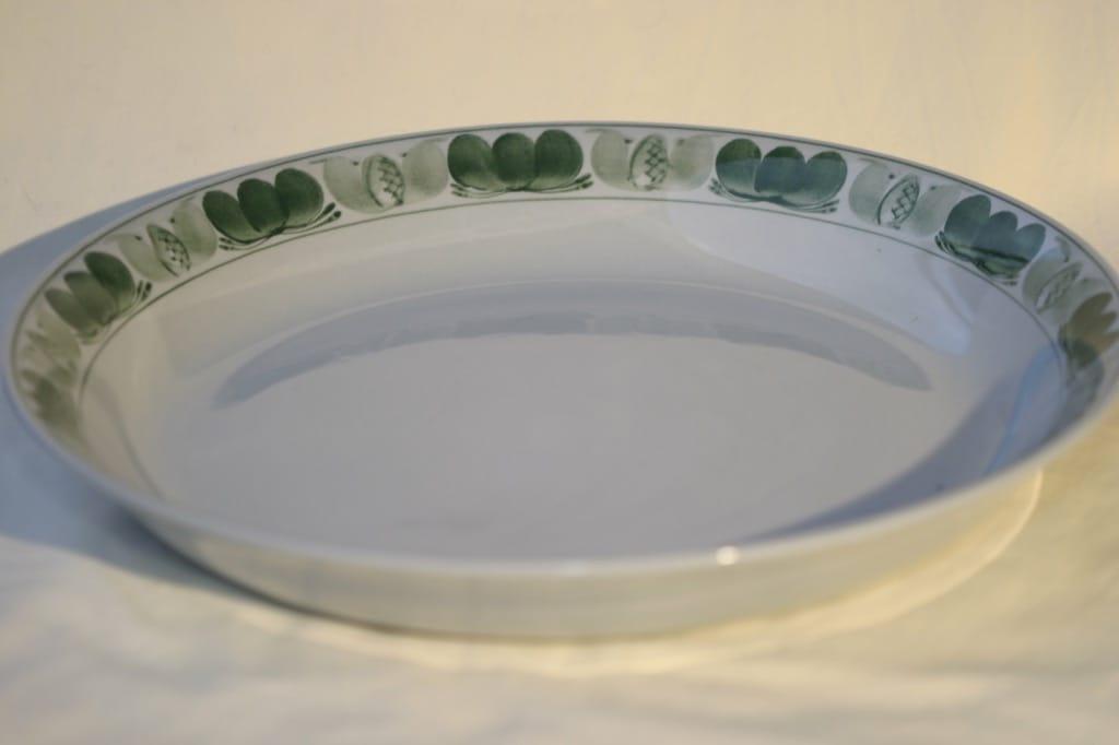Arabia Green Laurel paistivati, käsinmaalattu, suunnittelija , käsinmaalattu