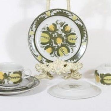 Arabia PW teekupit ja lautaset, käsinmaalattu, 2 kpl, suunnittelija Raija Uosikkinen, käsinmaalattu, signeerattu, retro