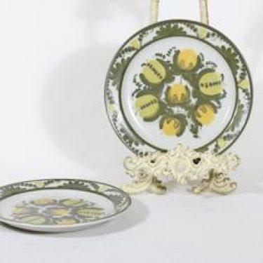 Arabia PW lautaset, käsinmaalattu, 2 kpl, suunnittelija Raija Uosikkinen, käsinmaalattu, pieni, signeerattu