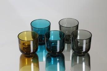 Nuutajärvi lasit, eri värejä, 5 kpl, suunnittelija Kaj Franck, pieni