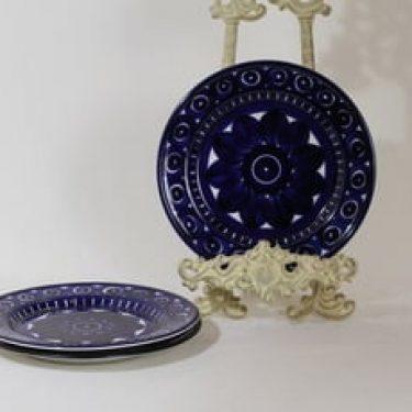 Arabia Valencia lautaset, pieni, 3 kpl, suunnittelija Ulla Procope, pieni, käsinmaalattu, signeerattu