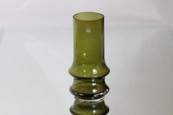 Riihimäen lasi Reimari maljakko, oliivinvihreä, suunnittelija Tamara Aladin,