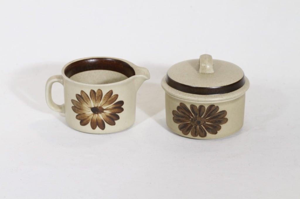 Arabia Tunturi sokerikko ja kermakko, käsinmaalattu, suunnittelija Olga Osol, käsinmaalattu, signeerattu