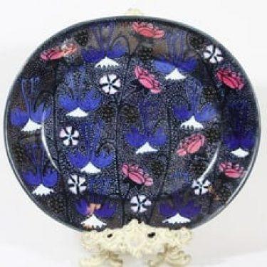 Arabia koristelautanen, käsinmaalattu, suunnittelija Birger Kaipiainen, käsinmaalattu, helmikoristeltu, signeerattu, uniikki