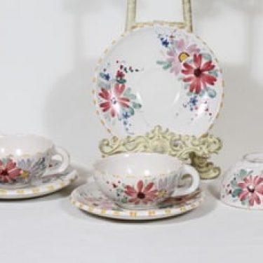 Kupittaan savi 347 teekupit, käsinmaalattu, 3 kpl, suunnittelija , käsinmaalattu, signeerattu