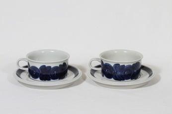 Arabia Anemone teekupit, käsinmaalattu, 2 kpl, suunnittelija Ulla Procope, käsinmaalattu, signeerattu