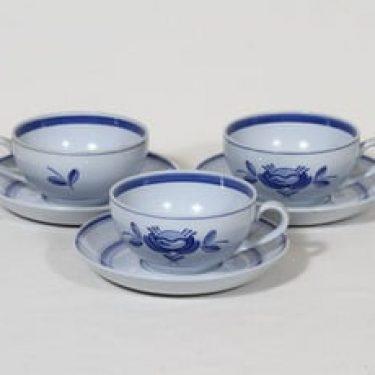 Arabia Blue Rose teekupit, käsinmaalattu, 3 kpl, suunnittelija Svea Granlund, käsinmaalattu, signeerattu