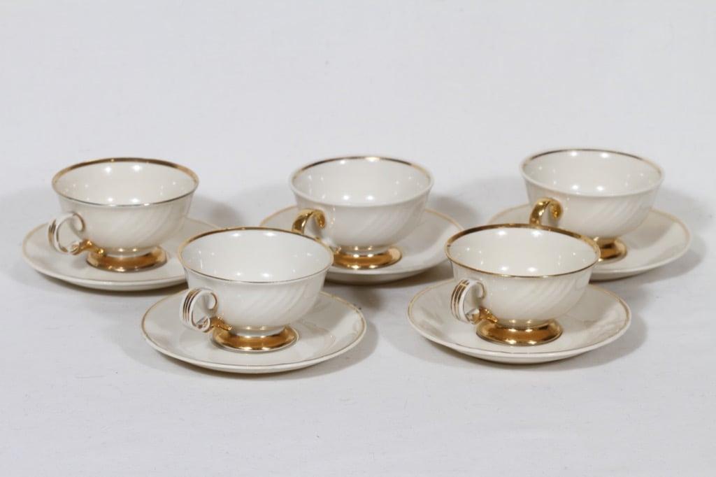 Arabia Kultakoriste mokkakupit, 5 kpl, suunnittelija Olga Osol, kullattu