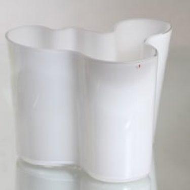 Iittala 3030 maljakko, signeerattu, suunnittelija Alvar Aalto, signeerattu