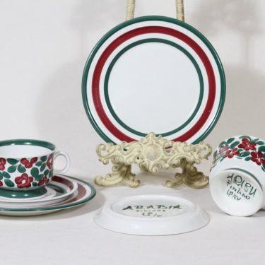 Arabia Purpuri-jenkka teekupit ja lautaset, 22.5 cl, 2 kpl, suunnittelija Ulla Procope, 22.5 cl, käsinmaalattu, signeerattu