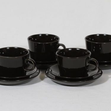 Arabia Kilta teekupit ja lautaset, musta, 4 kpl, suunnittelija Kaj Franck,