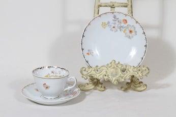 Arabia Loretta kahvikuppi ja lautanen, suunnittelija Olga Osol, siirtokuva