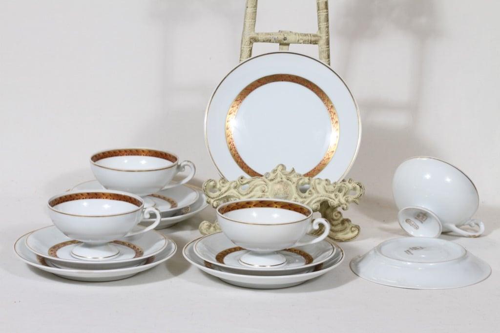 Arabia Helena kahvikupit ja lautaset, käsinmaalattu, 4 kpl, suunnittelija , käsinmaalattu, kultakoriste