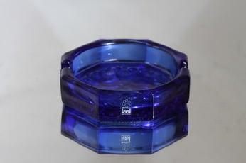 Riihimäen lasi Stella Polaris tuhka-astia, sininen, suunnittelija Nanny Still,