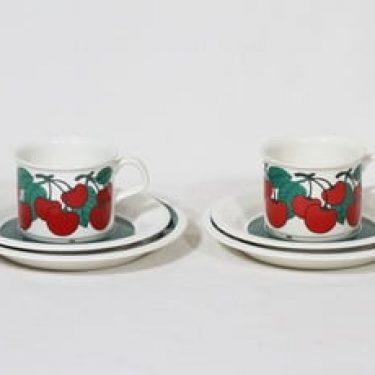 Arabia Kirsikka kahvikupit ja lautaset, 2 kpl, suunnittelija Inkeri Seppälä, serikuva