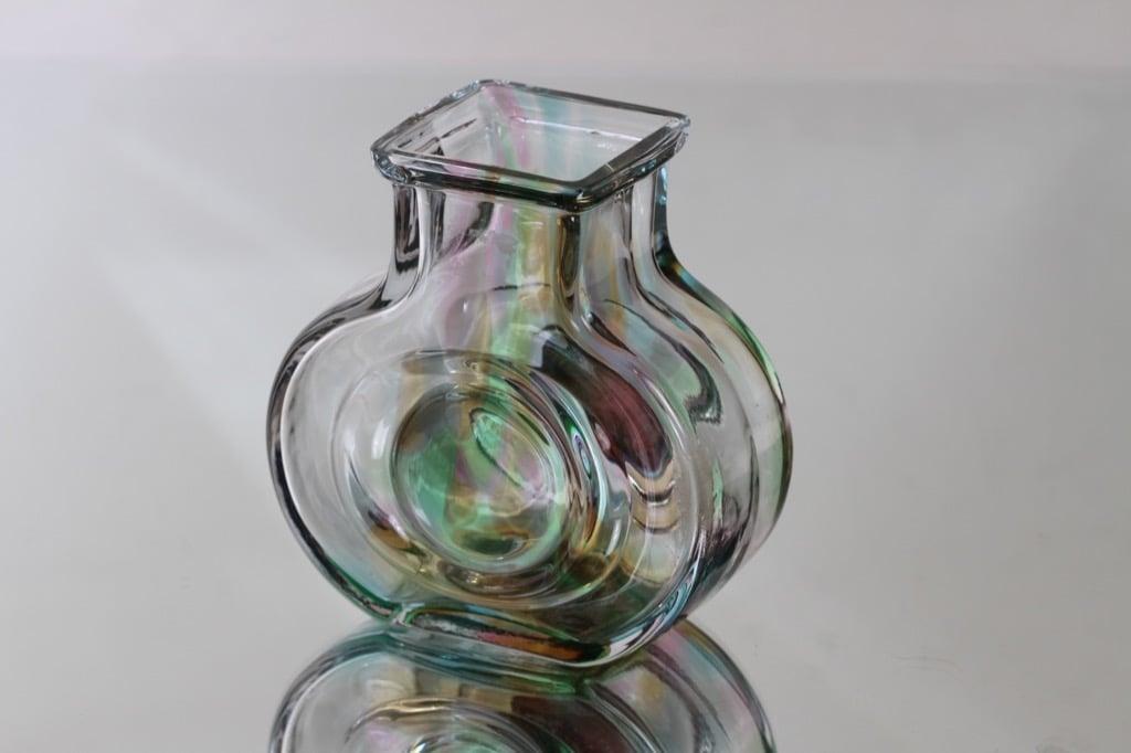 Riihimäen lasi maljakko, signeerattu, suunnittelija Helena Tynell, signeerattu, pieni