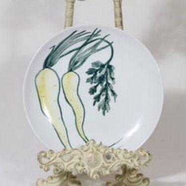 Arabia Vihannes lautanen, käsinmaalattu, suunnittelija Anja Juurikkala, käsinmaalattu, signeerattu