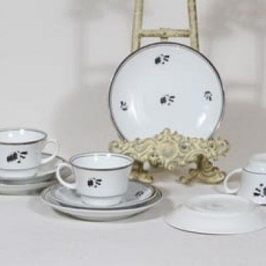 Arabia Hopeakello kahvikupit ja lautaset, 3 kpl, suunnittelija Greta-Lisa Jäderholm-Snellman, painokoriste, art deco