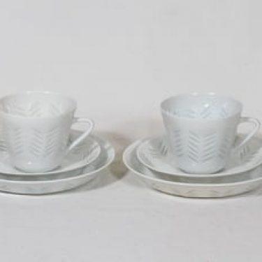 Arabia FK kahvikupit ja lautaset, riisiposliini, 2 kpl, suunnittelija Friedl Holzer-Kjellberg, riisiposliini, massasigneerattu