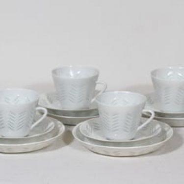 Arabia FK kahvikupit ja lautaset, riisiposliini, 4 kpl, suunnittelija Friedl Holzer-Kjellberg, riisiposliini, massasigneerattu