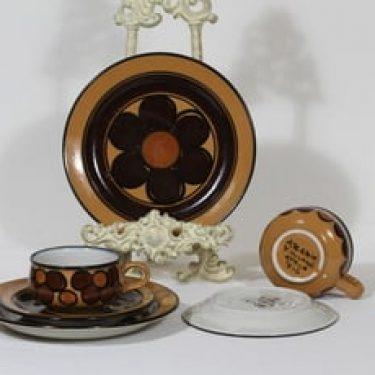 Arabia Kalevala kahvikupit ja lautaset, käsinmaalattu, 2 kpl, suunnittelija Peter Winquist, käsinmaalattu, signeerattu, retro