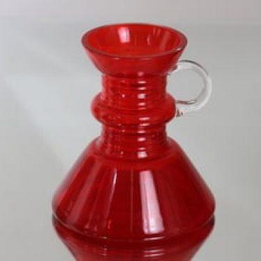 Riihimäen lasi Kleopatra maljakko, punainen, suunnittelija Tamara Aladin, pieni
