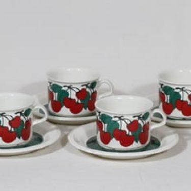 Arabia Kirsikka teekupit, 4 kpl, suunnittelija Inkeri Seppälä, serikuva, retro