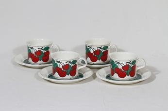 Arabia Kirsikka kahvikupit, 4 kpl, suunnittelija Inkeri Seppälä, serikuva, retro