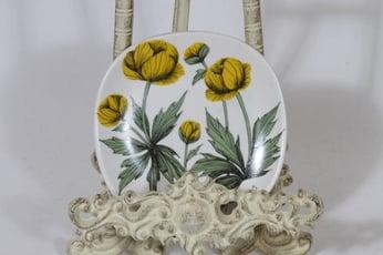 Arabia Botanica koristelautanen, Niittykullero, suunnittelija Esteri Tomula, Niittykullero, pieni, serikuva