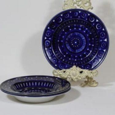Arabia Valencia lautaset, syvä, 3 kpl, suunnittelija Ulla Procope, syvä, käsinmaalattu, signeerattu