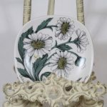 Arabia Botanica koristelautanen, Päivänkakkara, suunnittelija Esteri Tomula, Päivänkakkara, pieni, serikuva