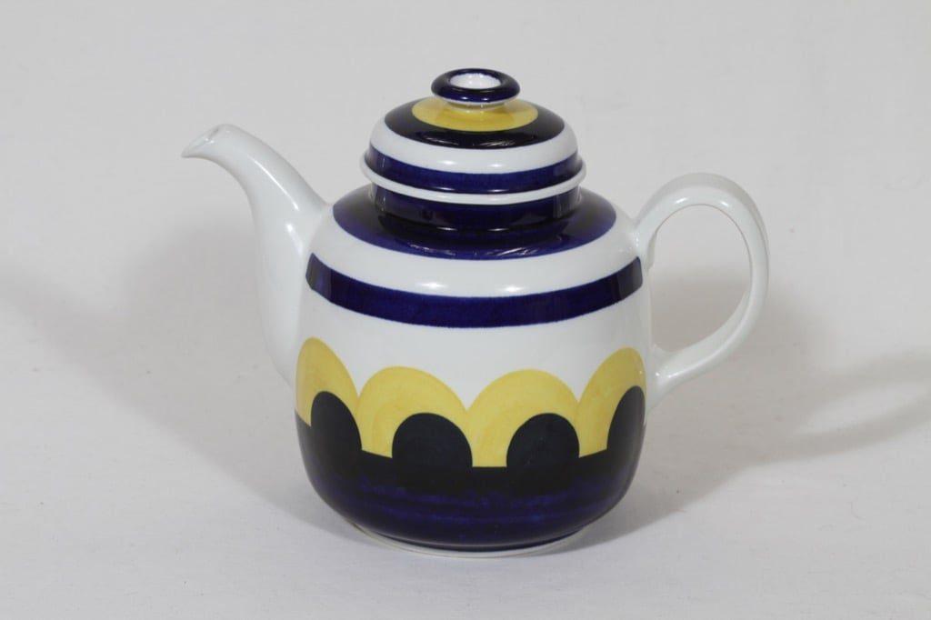 Arabia Paju kahvikaadin, käsinmaalattu, suunnittelija Anja Jaatinen, käsinmaalattu, signeerattu, retro