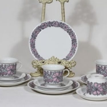 Arabia Esteri kahvikupit ja lautaset, punainen, 4 kpl, suunnittelija Esteri Tomula, serikuva