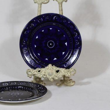 Arabia Valencia lautaset, käsinmaalattu, 2 kpl, suunnittelija Ulla Procope, käsinmaalattu, pieni, signeerattu
