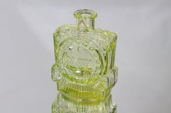 Riihimäen lasi Veturipullo koristepullo, keltainen, suunnittelija Erkkitapio Siiroinen, pieni