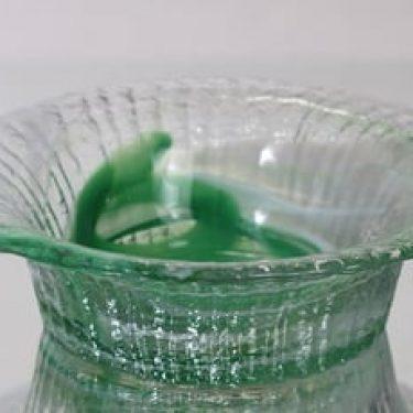 Riihimäen lasi Tupru kulho, vihreä-kirkas, suunnittelija Nanny Still, massiivinen
